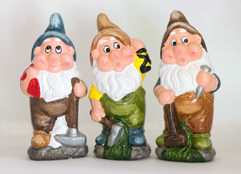 1 - Garden Gnomes Before