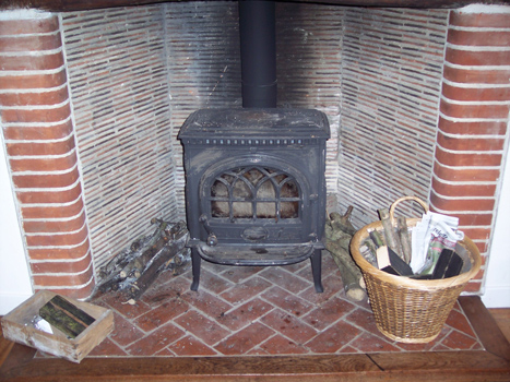 Plasti-kote wood burner before 01