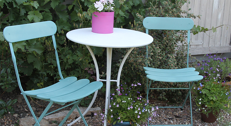 PlastiKote Garden Furniture 10 - Garden Jasmine White and Surf Green copy