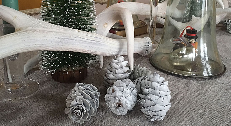 PlastiKote Christmas 7 - Fast Dry Enamel Flat White or Twist & Spray White Matt